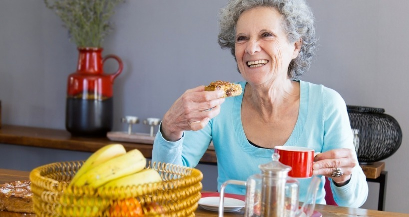 THREE WAYS TO TELL IF YOUR AGING PARENT IS EATING WELL