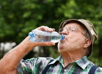 10 Tips To Help Seniors Stay Cool in Hot Weather