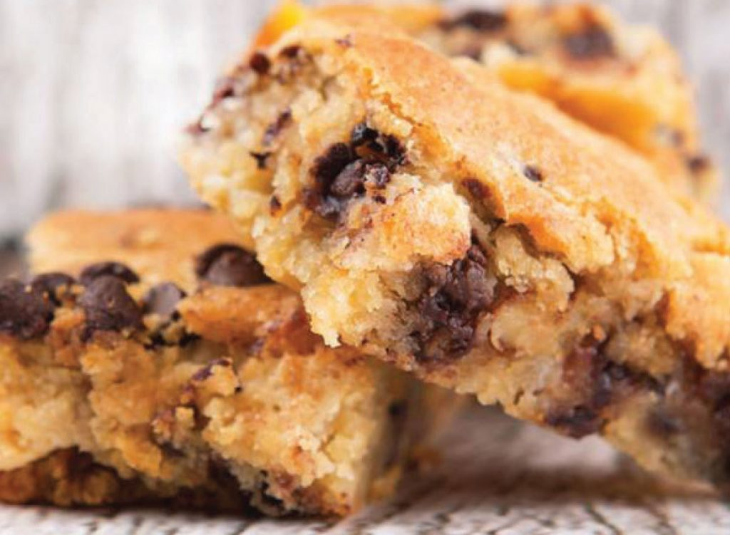 Another recipe in the pan? Yes, because who likes doing dishes? Enjoy these squares warm or cool; they're delectable any which way!