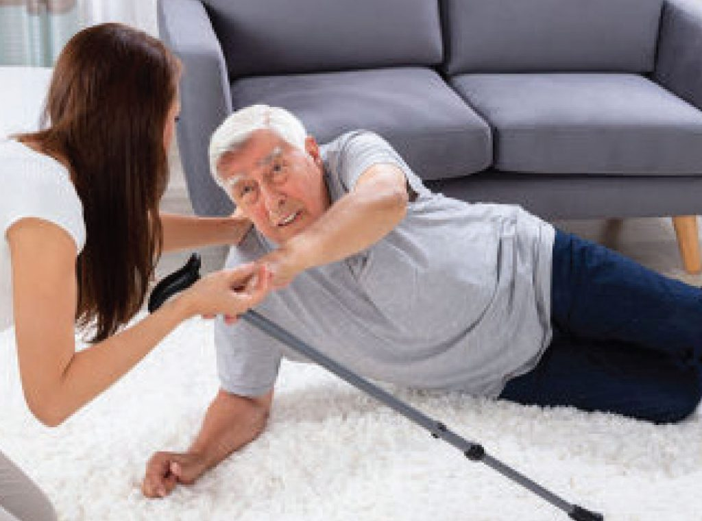 4 STEPS THAT HELP SENIORS REGAIN CONFIDENCE AFTER A FALL